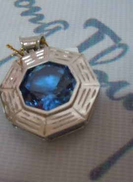 Mặt bát quái từ đá Topaz TS64